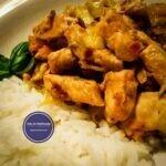 Essen mit Huhn, Spitzkohl und Ingwer